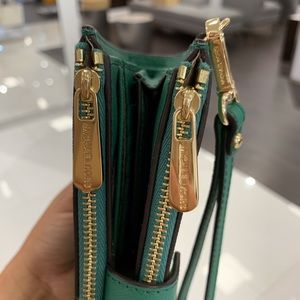 Michael Kors Bags - Michael Kors Jet Set Double Zip Wristlet